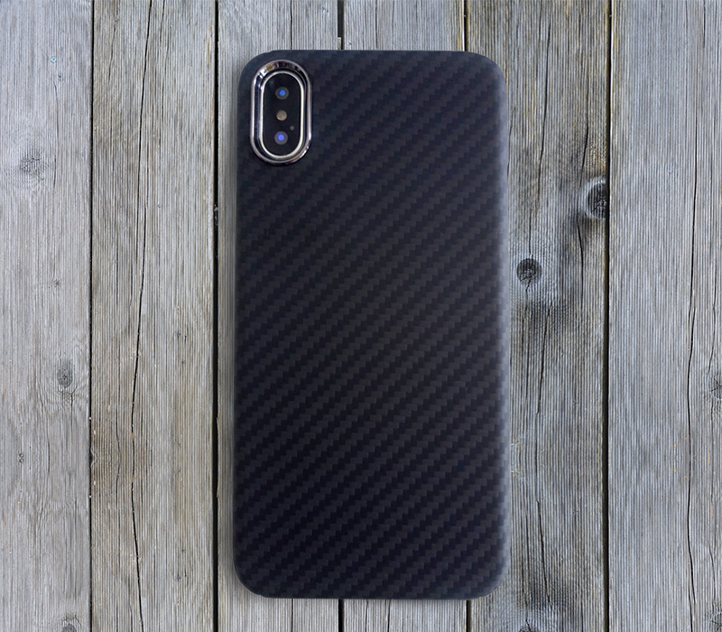 iphonex-case-on-the-wood-ground